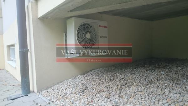 Klimatizácia na fasáde rodinného domu