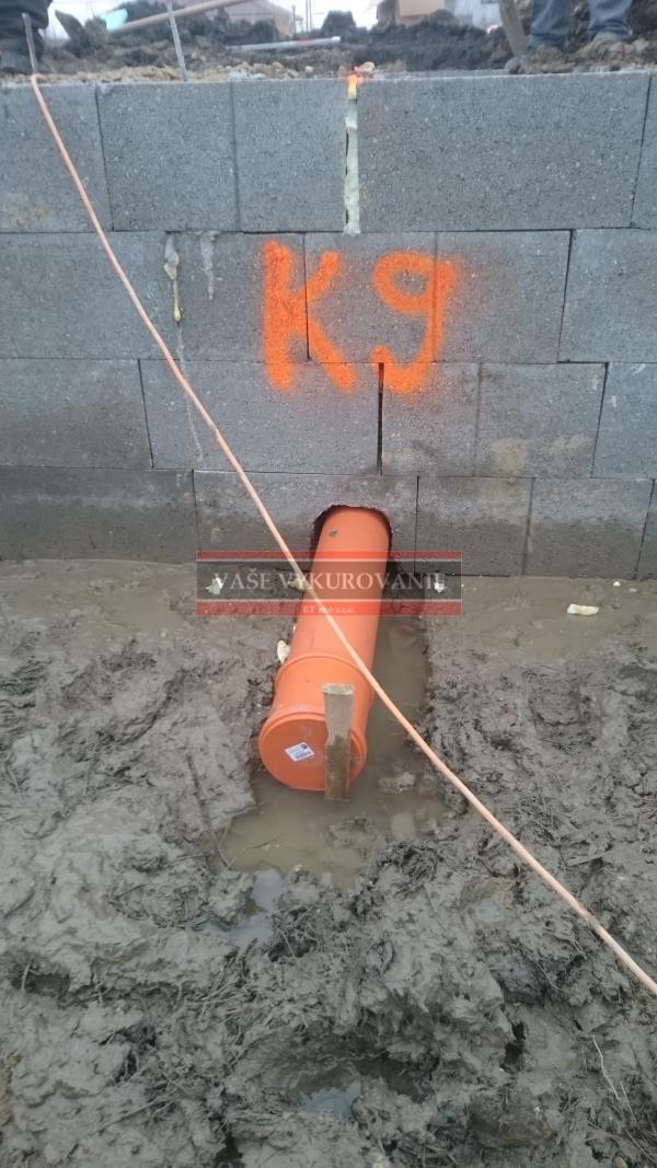 Ležatá kanalizácia pod domom2