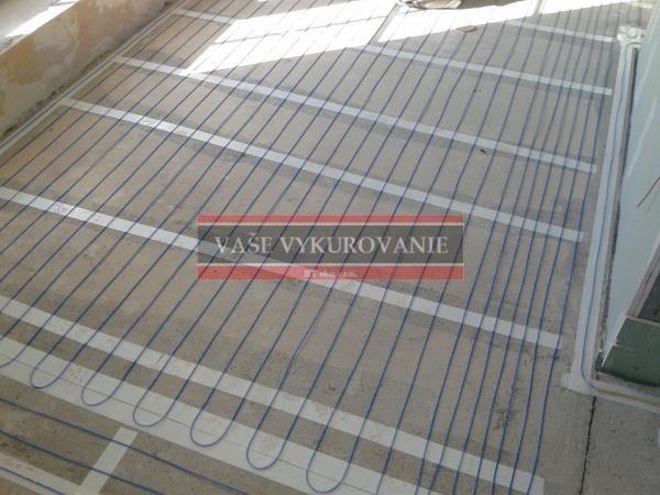 Podlahové vykurovanie Raychem - Chata Modra