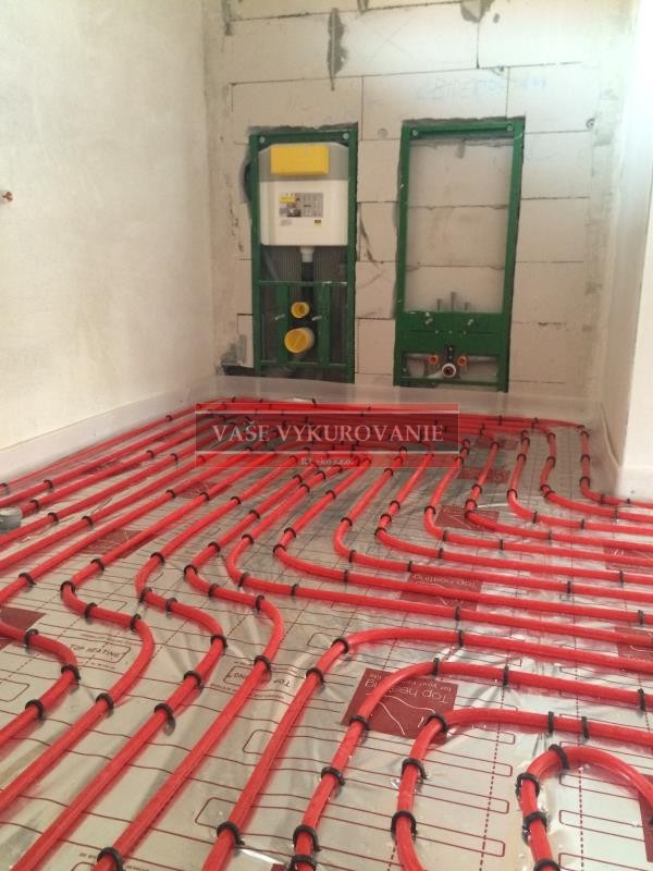 Podlahové vykurovanie - uchytávanie Tacker -zhustenie v kúpelni