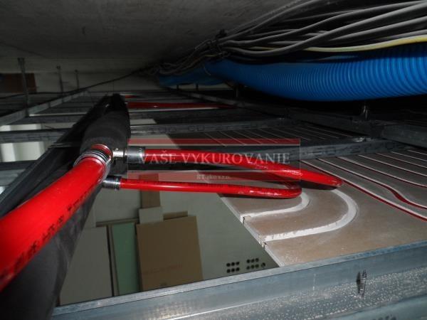 Pohľad na stropné chladenie v zníženom strope
