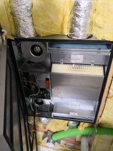 Rekuperačná jednotka Atrea v tepelnej izolácii stropu