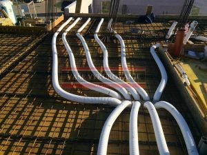 Rozvody vzduchotechniky v železobetónovom strope
