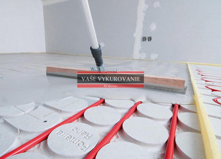 Zaliatie podlahového vykurovania nivelačnou hmotou